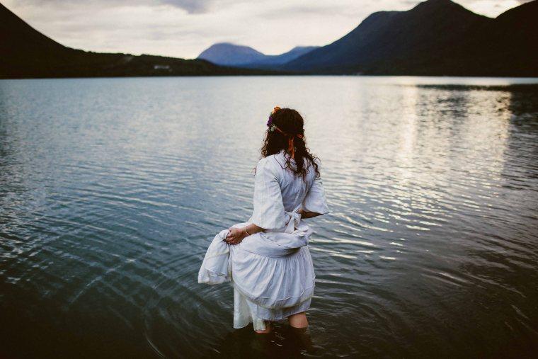 PadvoracBLOG-MoosePassWedding-AlaskaWeddingPhotographer-TrailLakeLodge-107