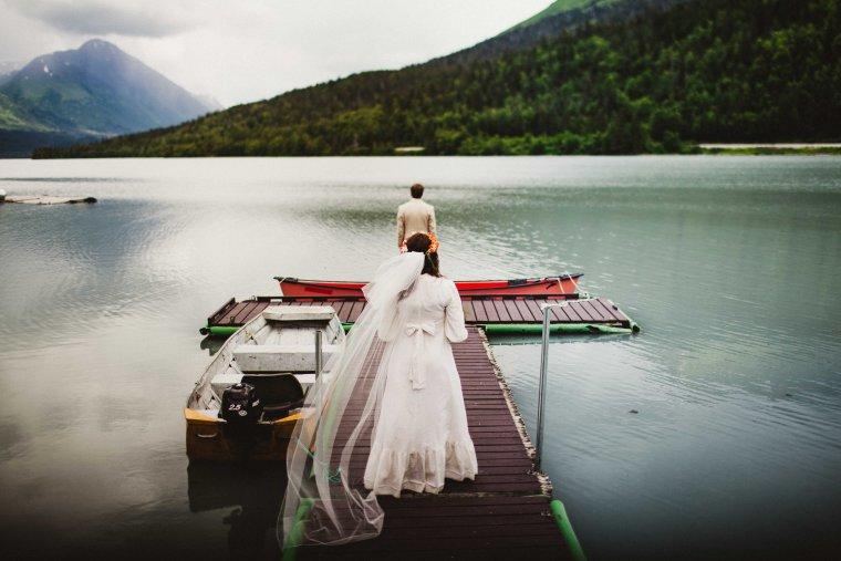 PadvoracBLOG-MoosePassWedding-AlaskaWeddingPhotographer-TrailLakeLodge-27