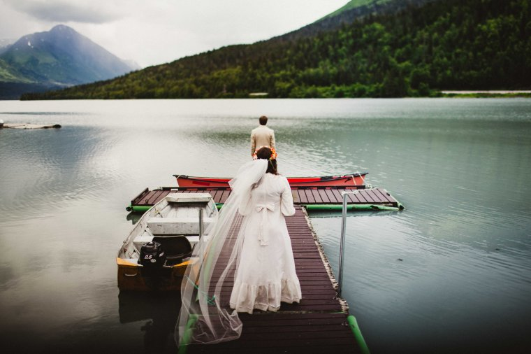 PadvoracBLOG-MoosePassWedding-AlaskaWeddingPhotographer-TrailLakeLodge-27