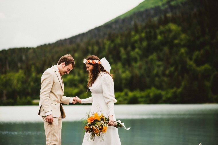 PadvoracBLOG-MoosePassWedding-AlaskaWeddingPhotographer-TrailLakeLodge-29