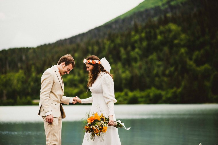 PadvoracBLOG-MoosePassWedding-AlaskaWeddingPhotographer-TrailLakeLodge-29