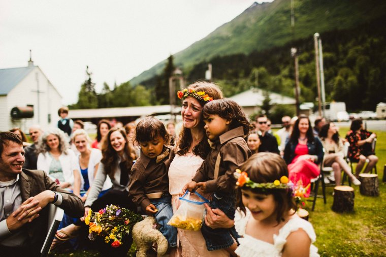 PadvoracBLOG-MoosePassWedding-AlaskaWeddingPhotographer-TrailLakeLodge-34