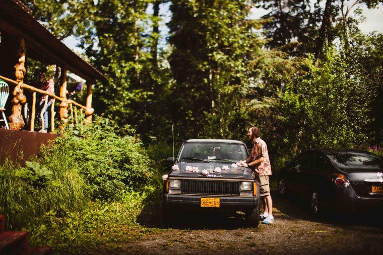 PadvoracBLOG-MoosePassWedding-AlaskaWeddingPhotographer-TrailLakeLodge-4