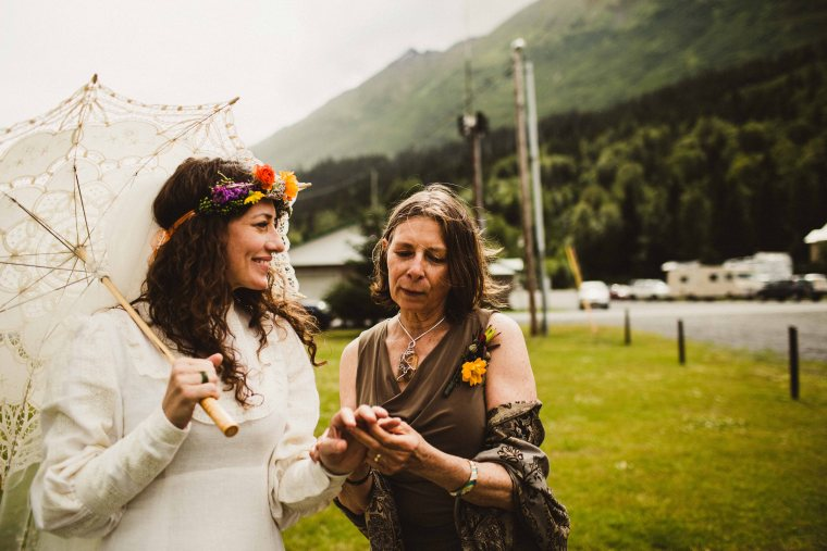 PadvoracBLOG-MoosePassWedding-AlaskaWeddingPhotographer-TrailLakeLodge-49
