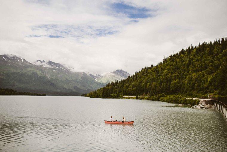 PadvoracBLOG-MoosePassWedding-AlaskaWeddingPhotographer-TrailLakeLodge-60