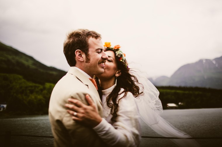 PadvoracBLOG-MoosePassWedding-AlaskaWeddingPhotographer-TrailLakeLodge-61