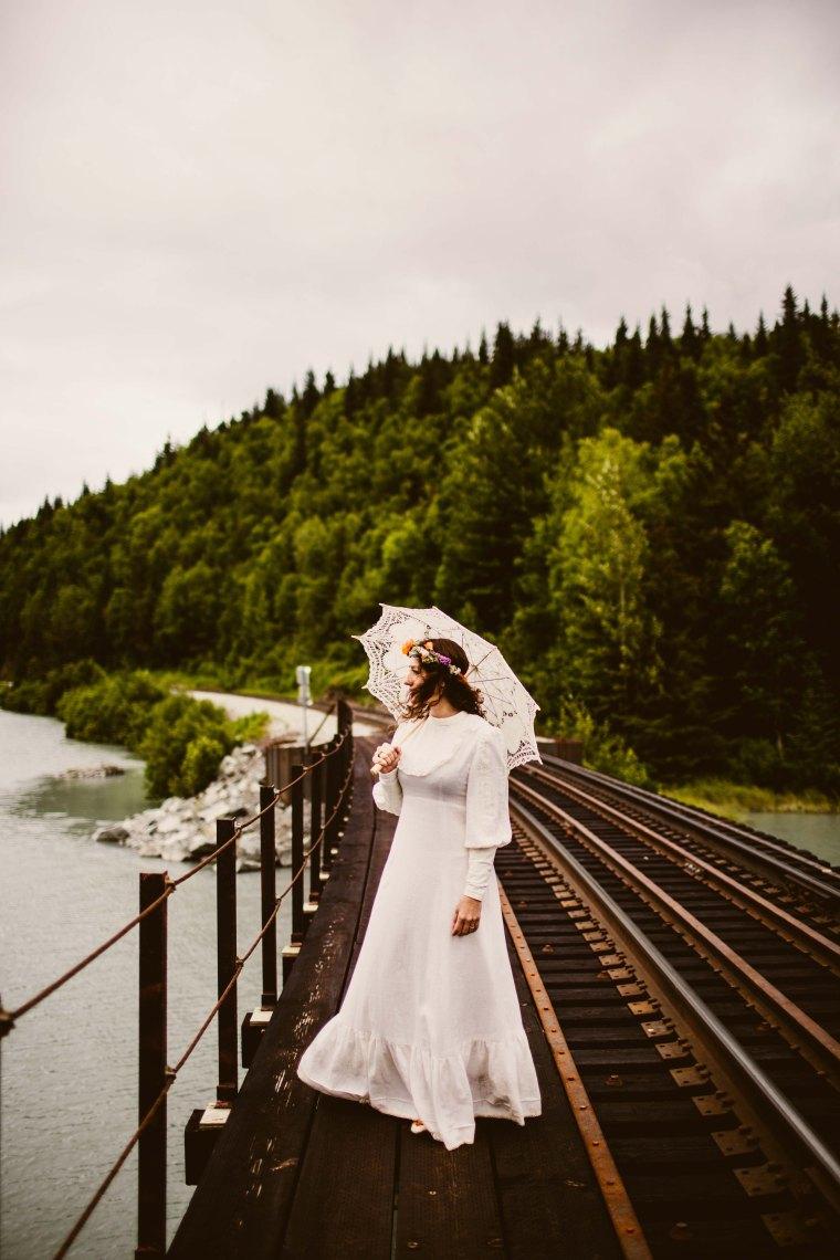 PadvoracBLOG-MoosePassWedding-AlaskaWeddingPhotographer-TrailLakeLodge-63