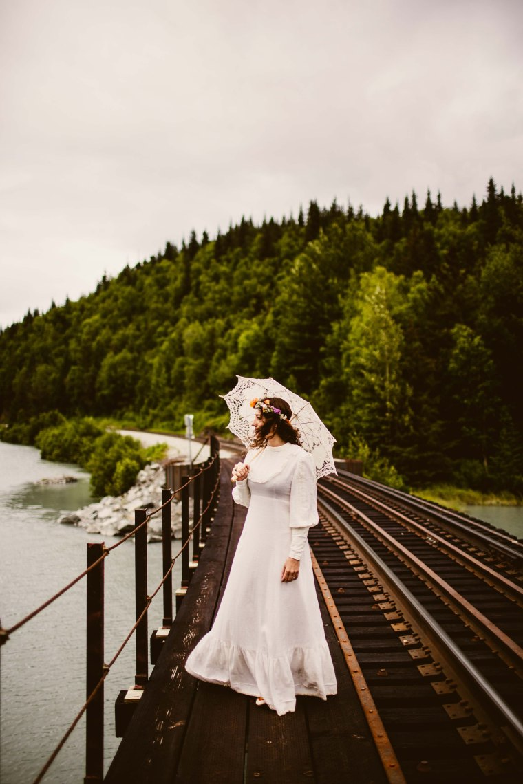 PadvoracBLOG-MoosePassWedding-AlaskaWeddingPhotographer-TrailLakeLodge-63