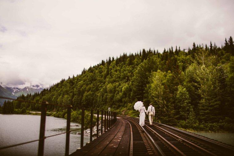 PadvoracBLOG-MoosePassWedding-AlaskaWeddingPhotographer-TrailLakeLodge-66