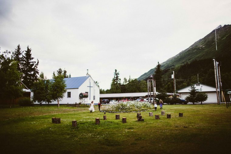 PadvoracBLOG-MoosePassWedding-AlaskaWeddingPhotographer-TrailLakeLodge-96